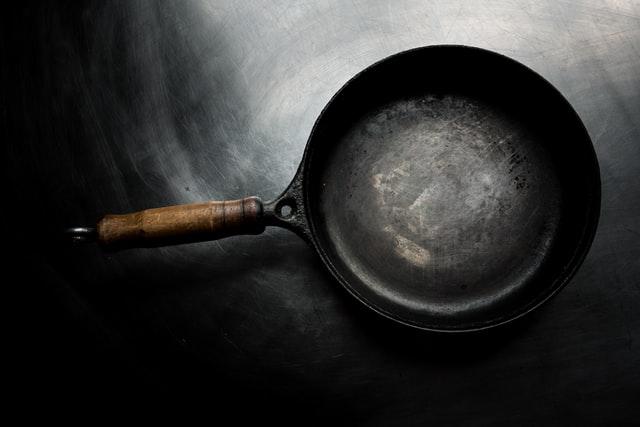 kip worst en salie uit de pan